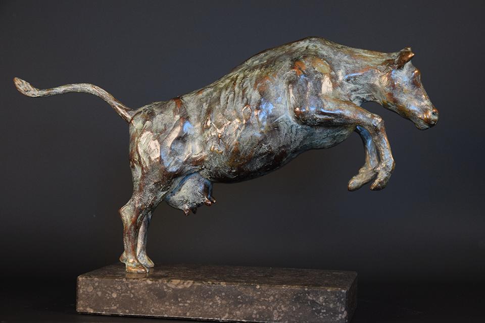 Koe in brons rechts 2