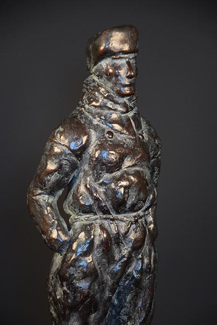 Urker Visser in brons - rechts 2